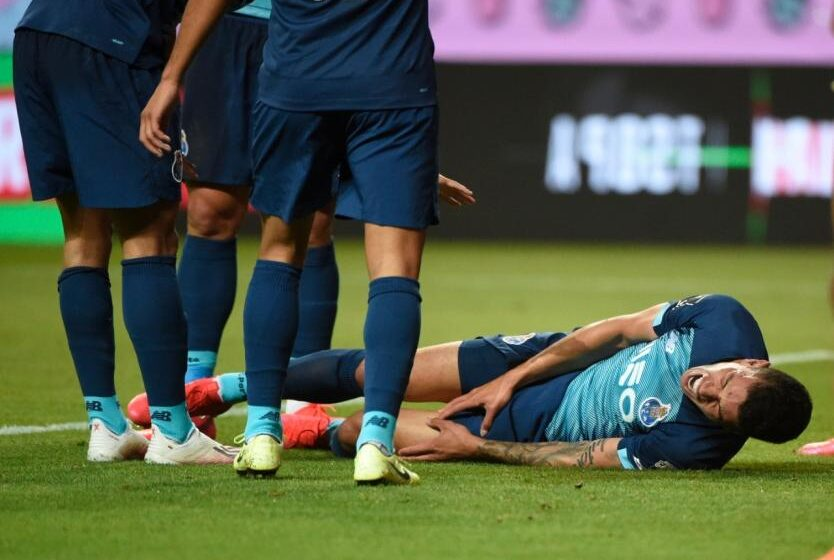 Matheus Uribe sufrió una fuerte lesión en el fútbol de Portugal