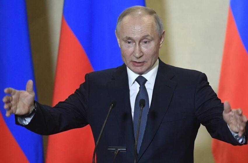 Putin dice que Rusia reforzará su Armada con armas hipersónicas