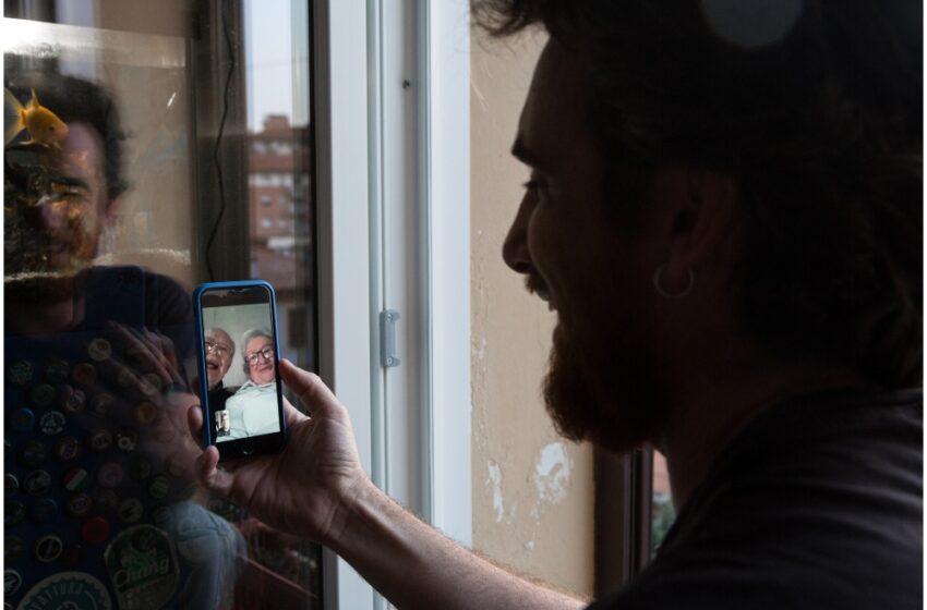¿Cómo hacer videollamadas de WhatsApp desde el televisor?