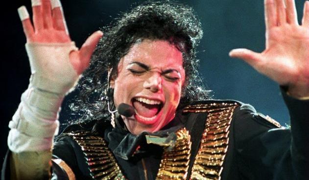 Compartir Michael Jackson en vio en Singapur, en el marco de la gira Dangerous (1993) Michael Jackson en vivo en Singapur, en el marco de la gira Dangerous (1993) AFP i ENTRETENIMIENTO 23 Oct 2020 12:49 PM Juez de EE.UU. rechaza de nuevo una acusación de abusos contra Michael Jackson