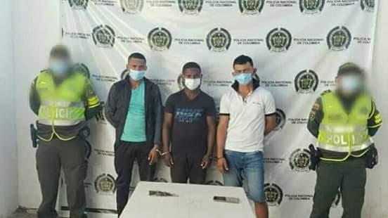 Capturan a tres sujetos por hurto en Algarrobo Magdalena