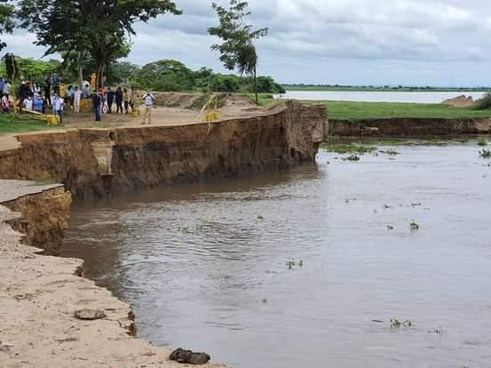 Organismos de socorro buscan a un pescador ahogado en el río Magdalena.