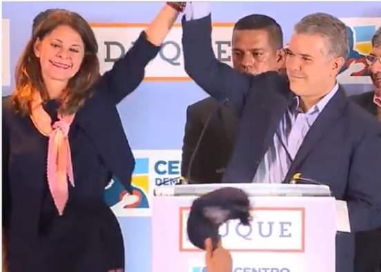 """""""Colombia está próxima a tener una mujer presidenta"""", ¿guiño de Duque a Marta Lucía Ramírez?"""