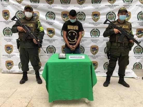 Capturado en la vía Ocaña – Aguachica un hombre con 300 dosis de marihuana.