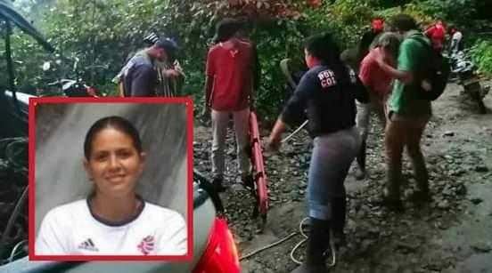 Mujer embarazada murió al caer mas de 15 metros por un abismo.