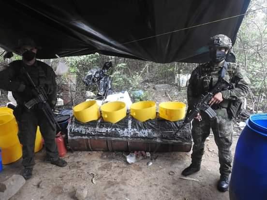 Ejército destruyó laboratorio para procesamiento de drogas.