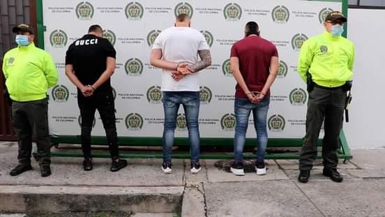 Tres sujetos que en medio de una riña casi matan a un hombre fueron capturados en Bucaramanga.