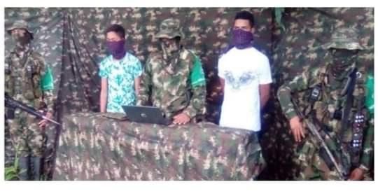 Autodefensas entregan menores retendios en combate con las FARC